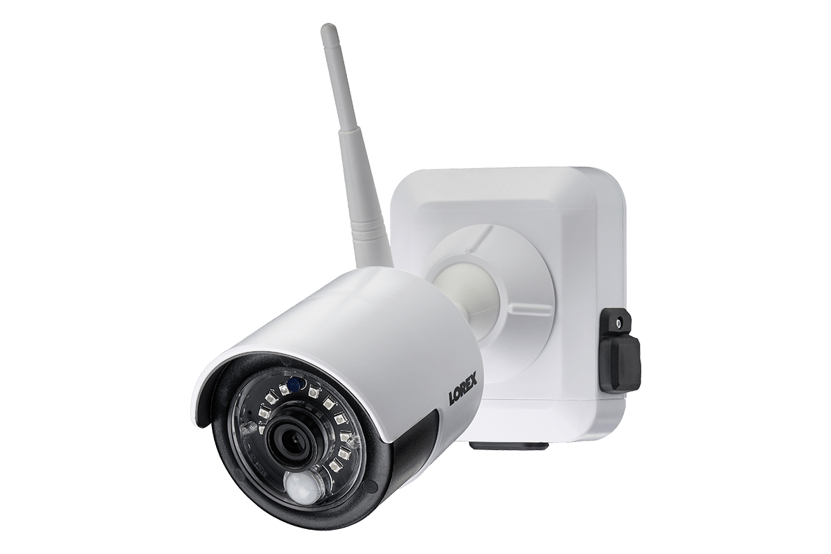 Battery Operated Security Camera >> 1080p Wire Free Camera System Featuring 4 Battery Powered White